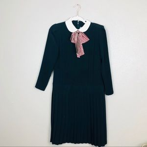 Vintage collared pussybow dress